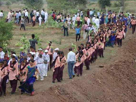 Indians-Planting-Trees-Madhya-Pradesh-Government.jpg